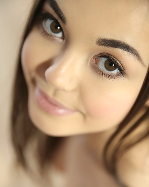 Fresh Teen Face XXX Pictures