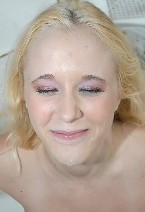 This sensational babe having white hair is happy to enjoy unforgettable threesome with two fellows. They are fucking and her on the boat.