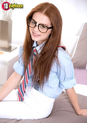 Fresh Teen Schoolgirl XXX Pictures