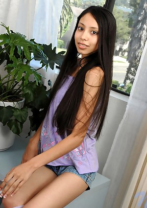 Fresh Asian Teen XXX Pictures