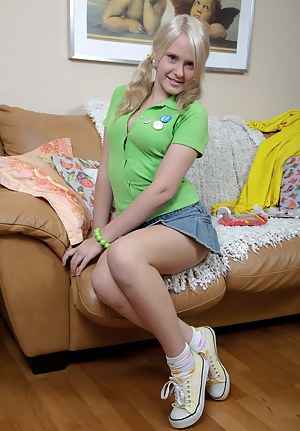 Fresh Teen Skirt XXX Pictures