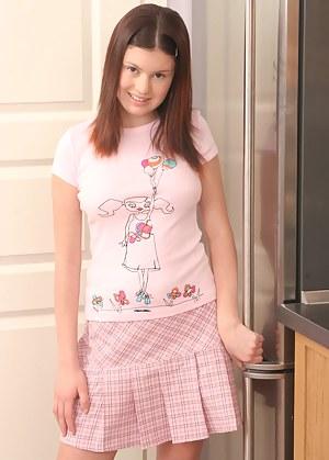 Fresh Teen Schoolgirl XXX Pictures